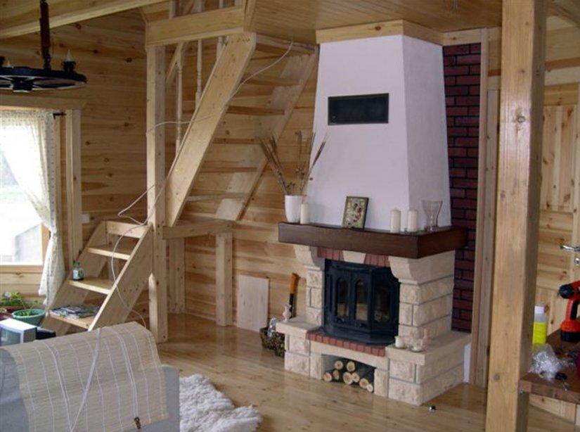 дизайн дачного дома с камином