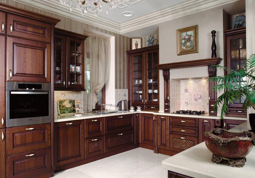 кухня в классическом стиле в квартире фото