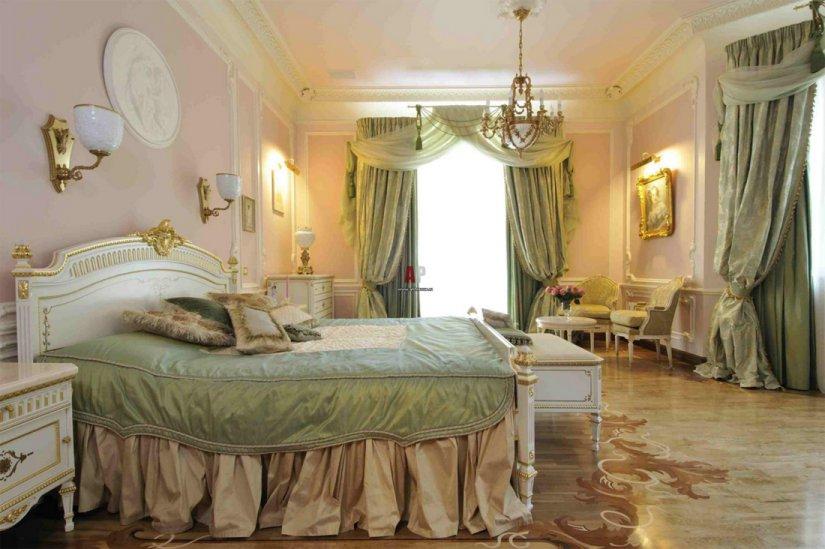 Спальня в классическом стиле в квартире