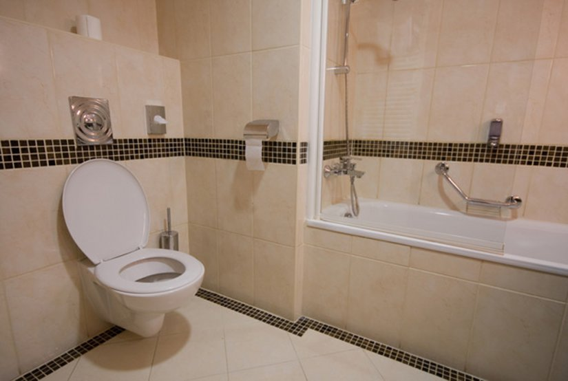 ванная совмещенная с туалетом в маленькой квартире