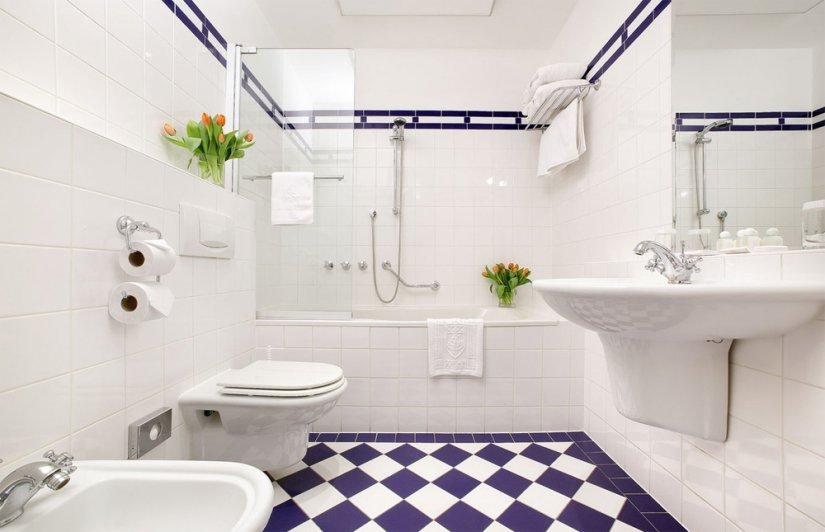 красивая плитка в ванной комнате 6 кв м