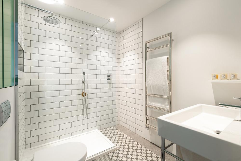 дизайн белой ванной комнаты 33 фото белый цвет в ванной
