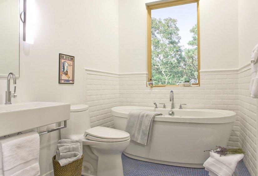 белый цвет в ванной фото