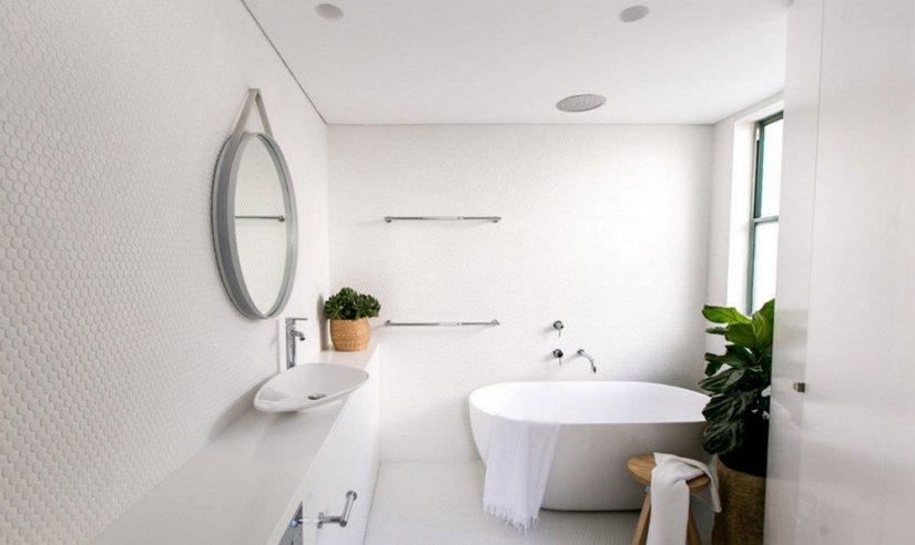 фото красивая светлая ванная